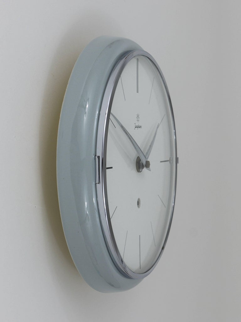 Grey Round Junghans Midcentury Wall Clock, Germany, 1950s For Sale 1