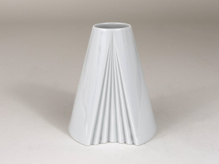 White Geometric Op Art Porcelain Vase Ambrogio Pozzi Rosenthal