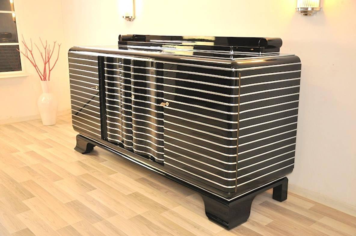 art deco chrome liner sideboard from new york at 1stdibs. Black Bedroom Furniture Sets. Home Design Ideas