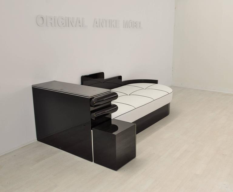 Galvanized Highgloss Black Art Deco Daybed from France with a White Leather Mattress For Sale