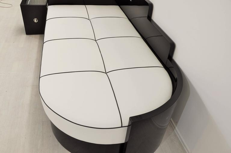 Mid-20th Century Highgloss Black Art Deco Daybed from France with a White Leather Mattress For Sale