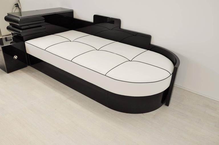 Brass Highgloss Black Art Deco Daybed from France with a White Leather Mattress For Sale