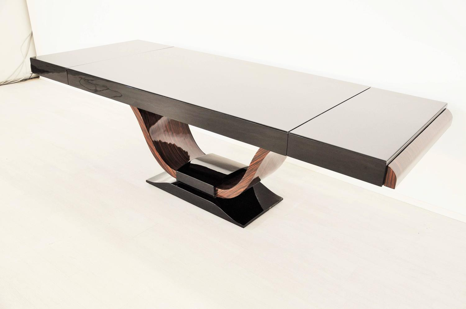 vintage art deco dining table with curved macassar foot at 1stdibs. Black Bedroom Furniture Sets. Home Design Ideas