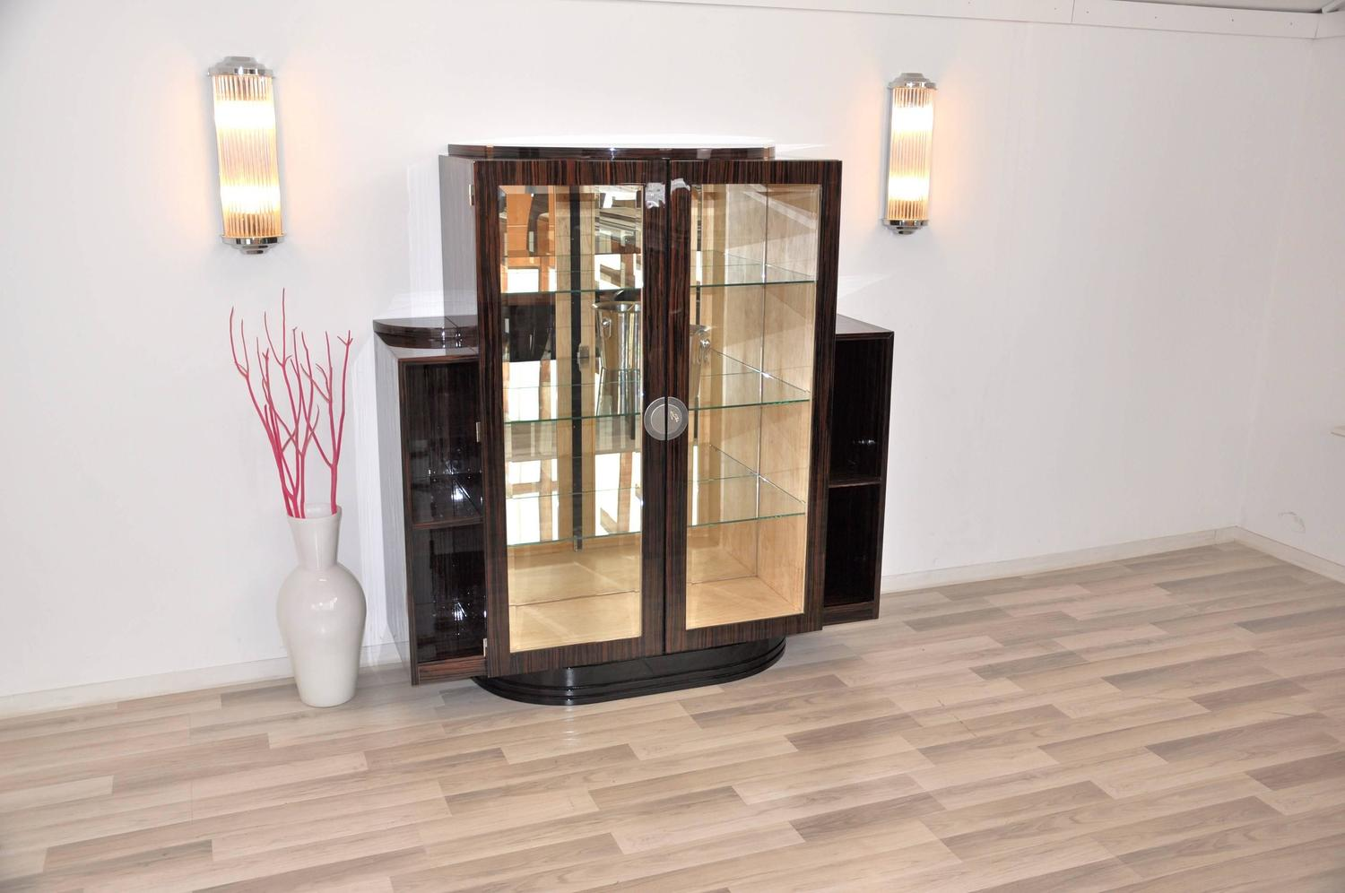 art deco vitrine made of macassar for sale at 1stdibs. Black Bedroom Furniture Sets. Home Design Ideas