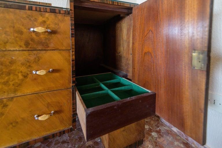Originaler Art Deco Barschrank aus Bugholz 4