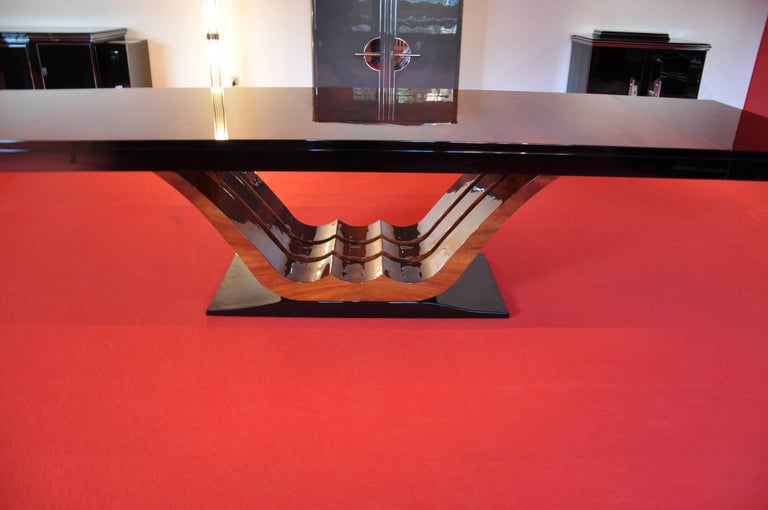 1930s French Art Deco Style Dining Table, Mahogany Veneer 3