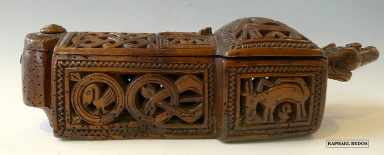 Icelandic Flatware box with sliding lid ( 17th Century) For Sale