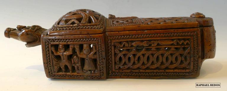 Flatware box with sliding lid ( 17th Century) In Excellent Condition For Sale In Paris, FR