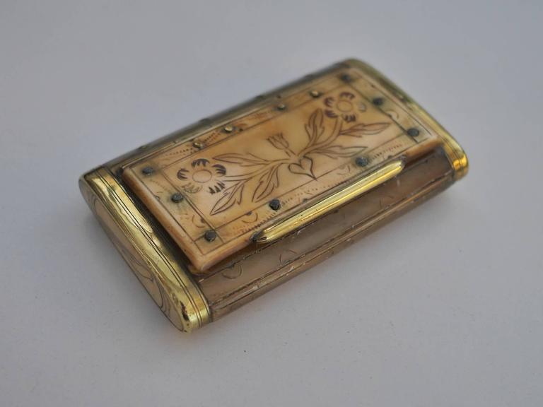 Folk Art 19th Century Horn Snuffbox For Sale