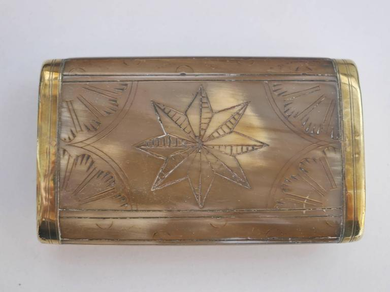 19th Century Horn Snuffbox In Excellent Condition For Sale In Paris, FR