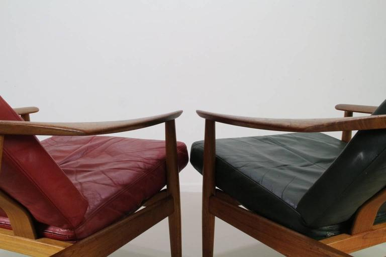 Matching Pair of Lounge Easy Chair by Arne Vodder 4
