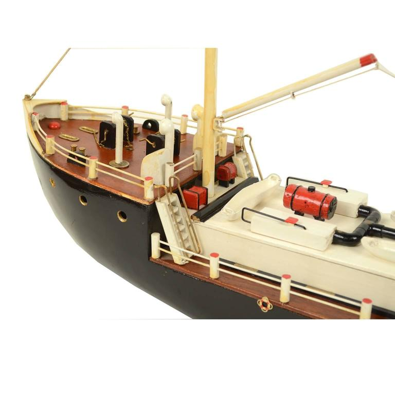 French Ship Model Made in the 1950s For Sale 1