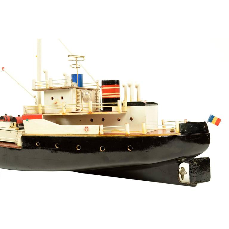French Ship Model Made in the 1950s For Sale 3