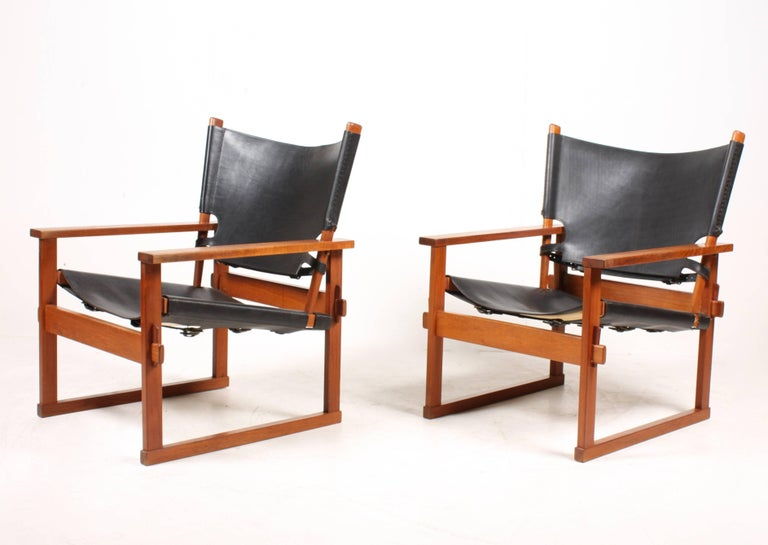 Pair of Lounge Chairs by Hundevad 2