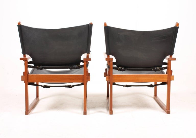 Pair of Lounge Chairs by Hundevad 6