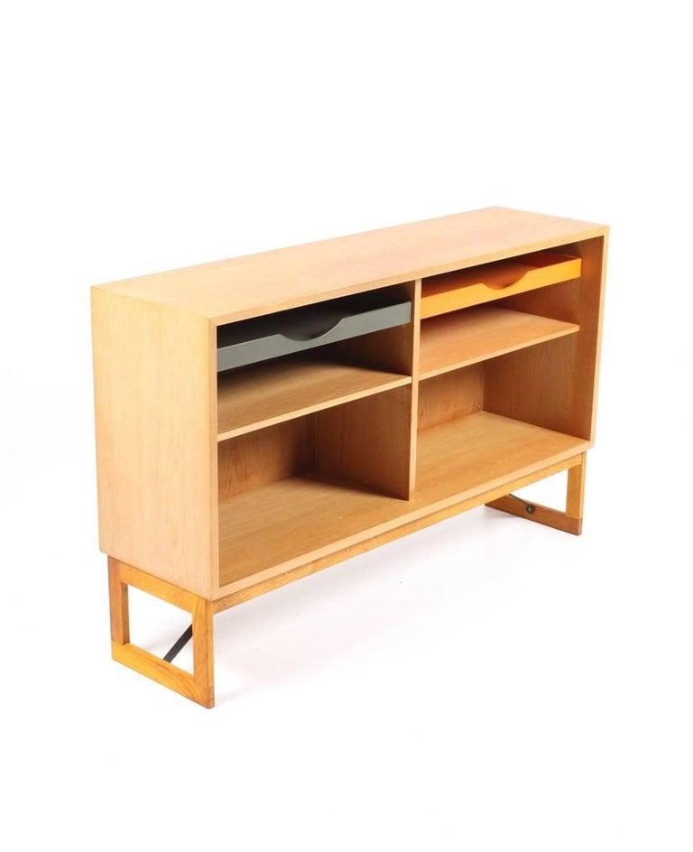 Scandinavian Modern Oak Bookcase by Børge Mogensen For Sale