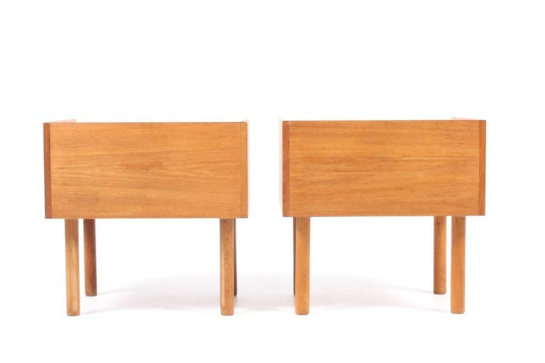 Pair of Nightstands by Wegner In Excellent Condition For Sale In Lejre, DK