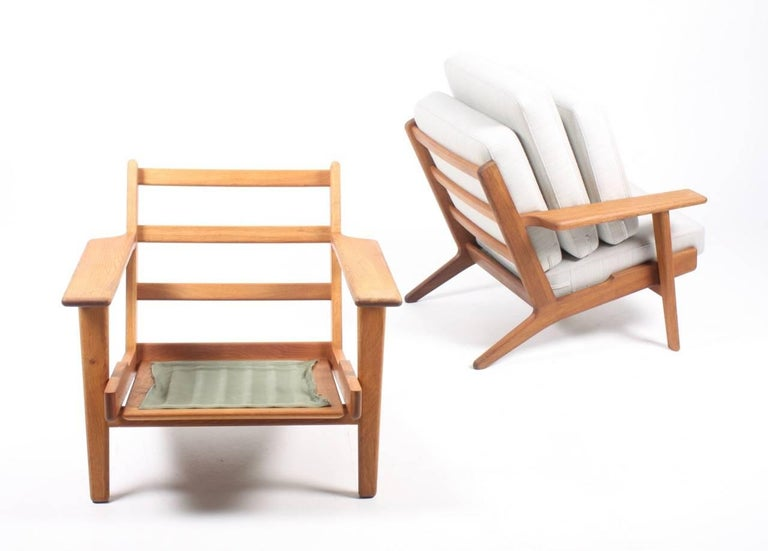 Danish Pair of Classic Lounge Chairs by Wegner For Sale
