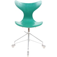 Seagull Chair by Arne Jacobsen