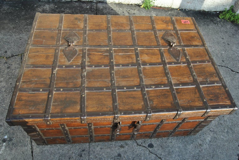 Late 18th Century 18th Century Rosewood Blanket Chest from India For Sale