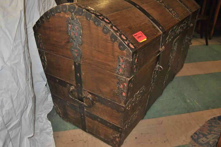 Queen Anne 18th Century Sea Chest-Blanket Chest-Coffer For Sale