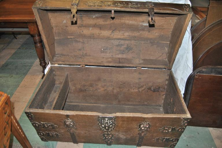 18th Century Sea Chest-Blanket Chest-Coffer In Excellent Condition In Savannah, GA