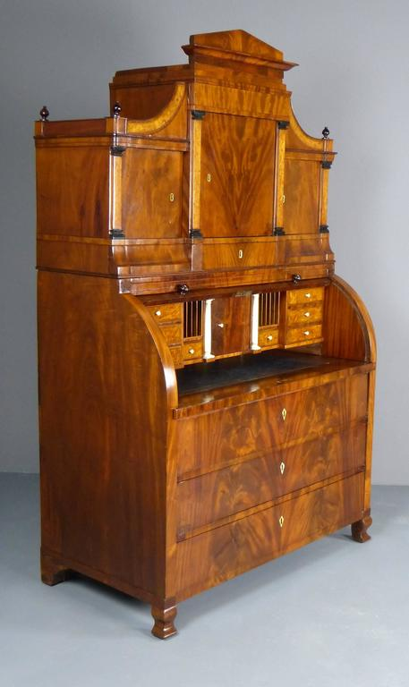 Bureau Secretaire Dutch Biedermeier Cylinder Top 19th Century  In Excellent Condition For Sale In Santander, ES