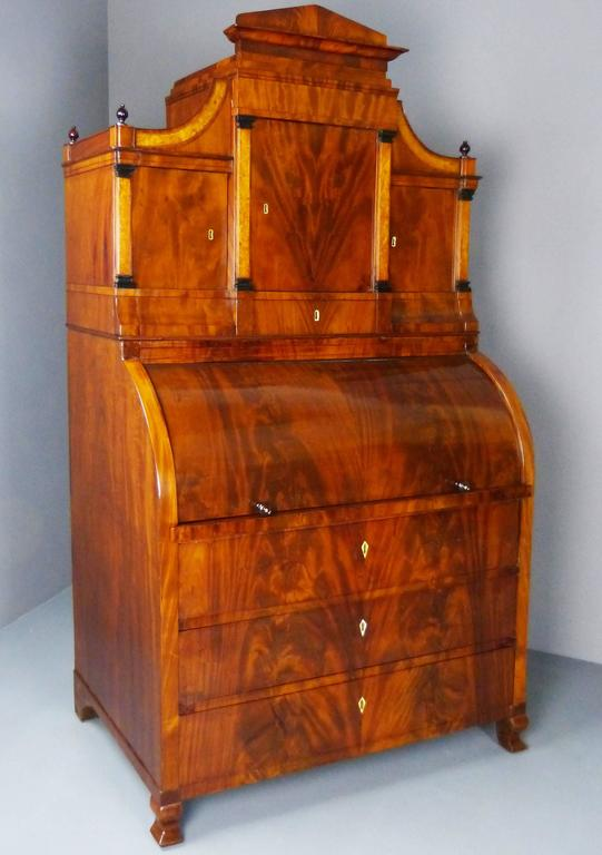 Bureau Secretaire Dutch Biedermeier Cylinder Top 19th Century  For Sale 1