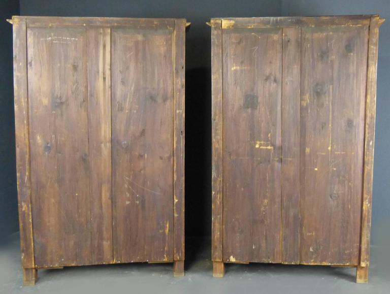 Pair Biedermeier Bookcases 19th Century German Walnut Display Cabinets For Sale 5