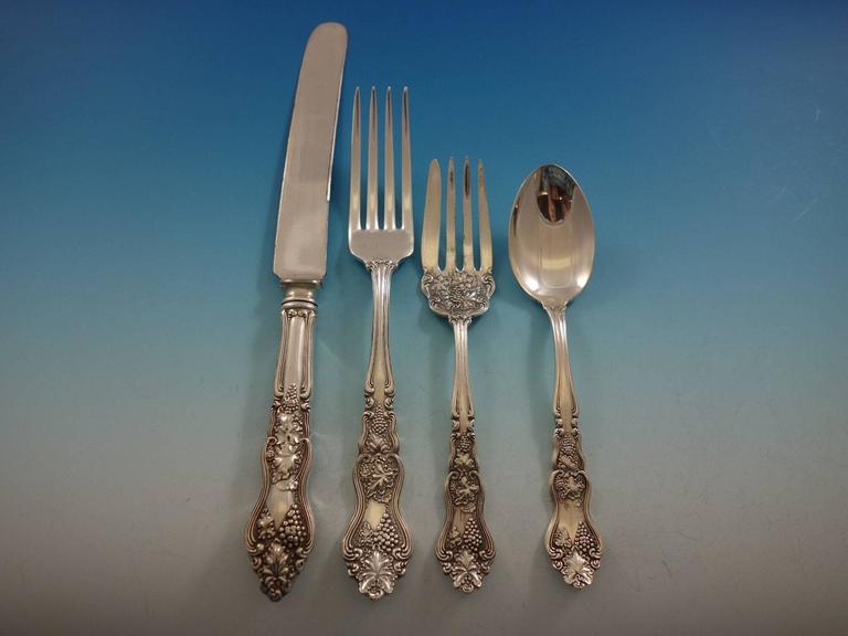 12 dinner knives, 9 5/8