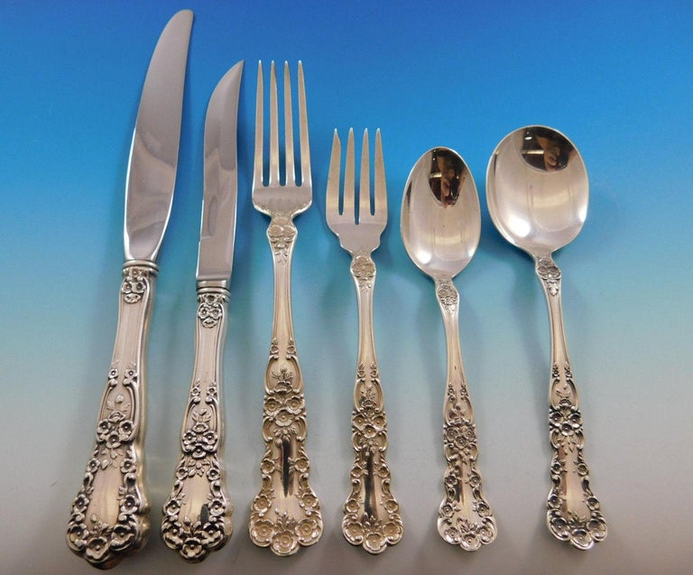 Superb dinner size buttercup by Gorham sterling silver flatware set, 84 pieces. This set includes: