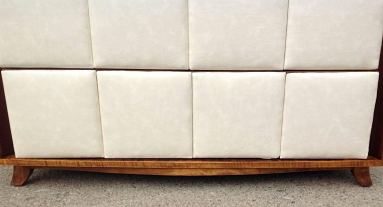 Mid-20th Century Three-Drawer Mahogany Chest Gilbert Rohde for Herman Miller For Sale