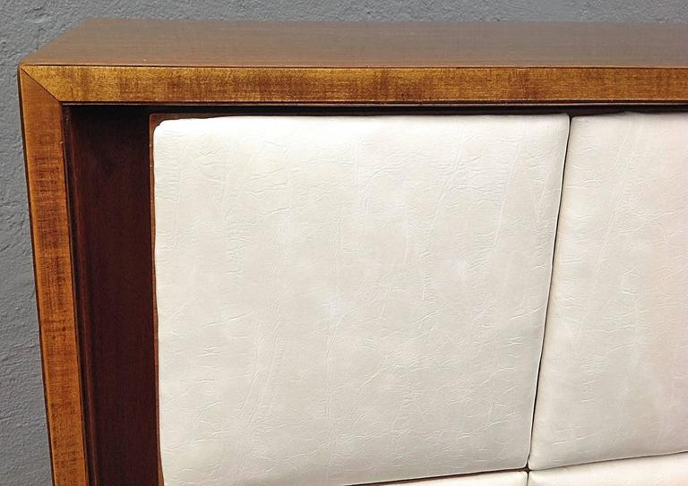 Three-Drawer Mahogany Chest Gilbert Rohde for Herman Miller For Sale 3