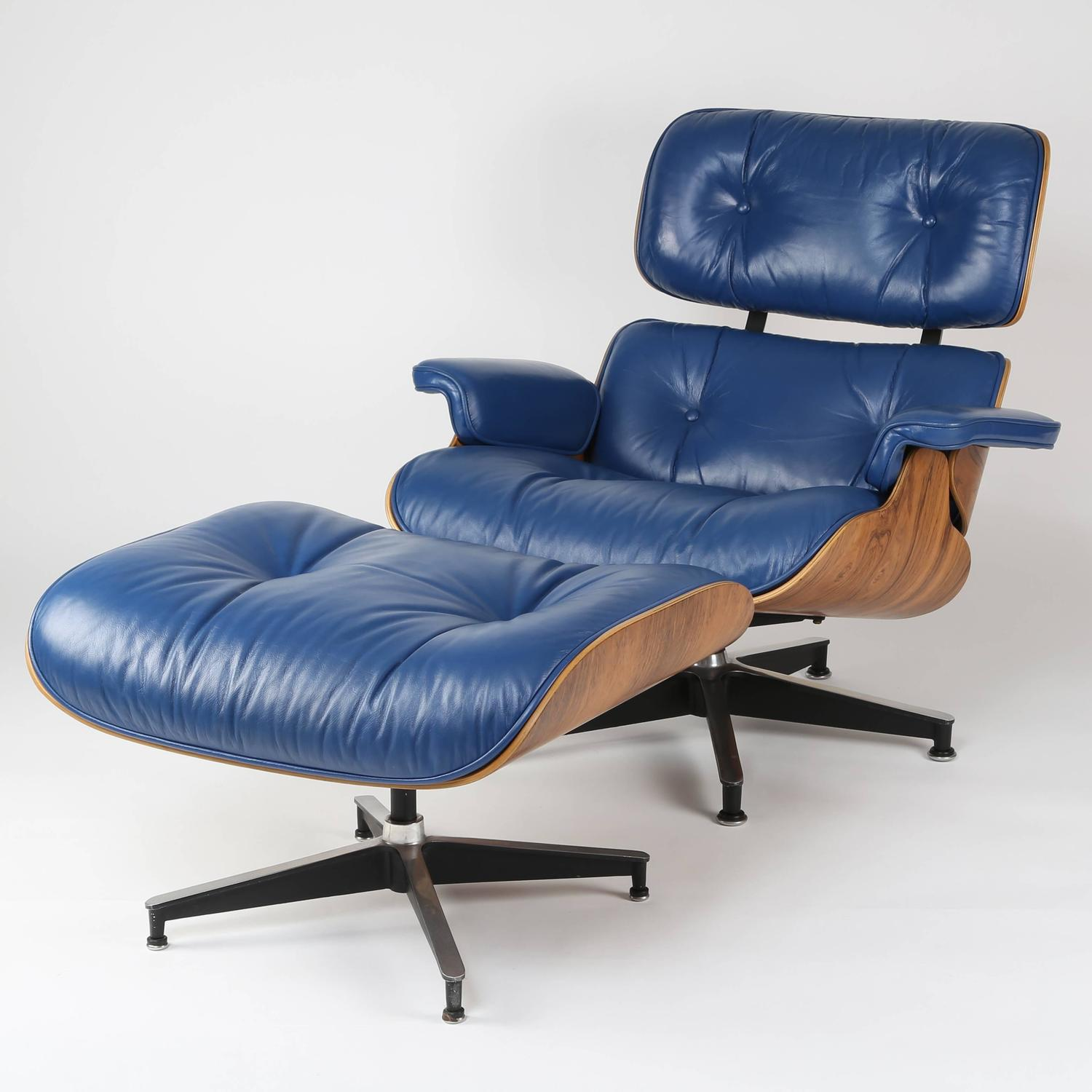 Vintage 670 671 Eames Rosewood Lounge Chair and Ottoman in Blue Leather at 1s