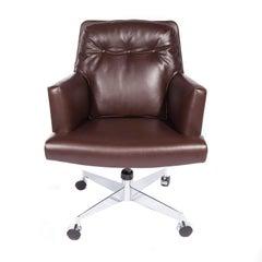 Leather and Chrome Executive Swivel Chair by Dunbar, circa 1960s