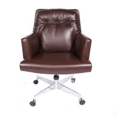 Leather and Chrome Executive Swivel Chair by Dunbar, circa 1960s