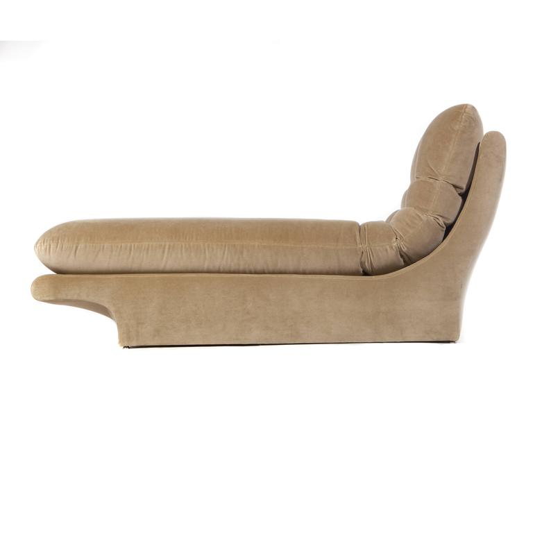 Fully Upholstered 1970s Chaise Lounge By Preview Furniture