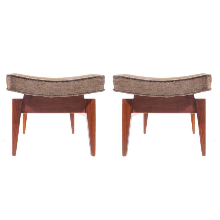 Jens Risom Pair of 1960s Cantilevered Walnut and Mohair Benches In Excellent Condition For Sale In Brooklyn, NY