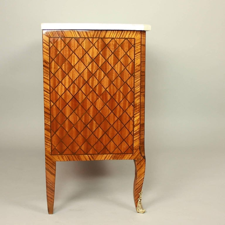 Mid-18th Century 18th Century Transitional Marquetry Break-Front Commode or Chest of Drawers For Sale