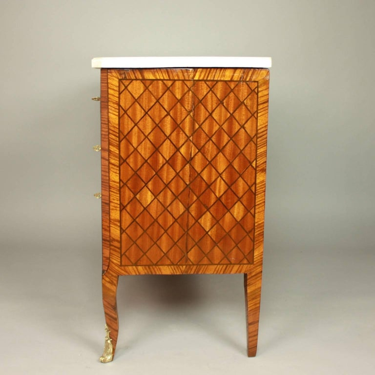 18th Century Transitional Marquetry Break-Front Commode or Chest of Drawers For Sale 1