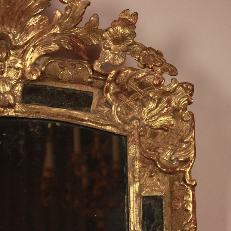 French Early 18th Century Régence Giltwood Mirror For Sale