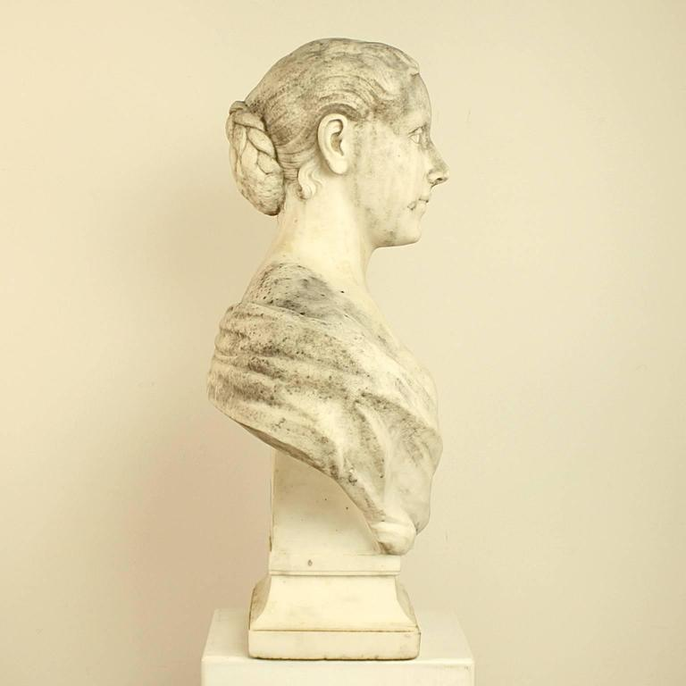 French 18th or 19th Century White Marble Bust of a Young Woman For Sale