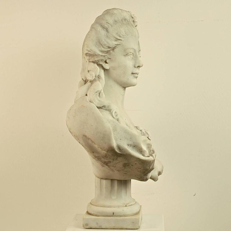 Carved 18th or 19th Century White Marble Bust of a Young Woman For Sale