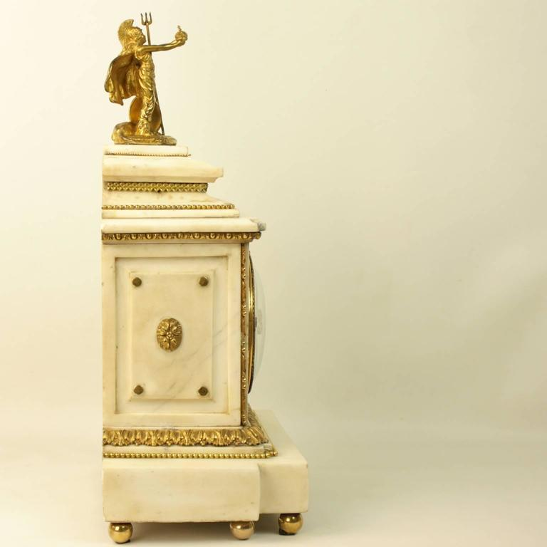 Large 18th century Louis XVI White Marble Mantel Clock Representing Athena In Excellent Condition For Sale In Berlin, DE