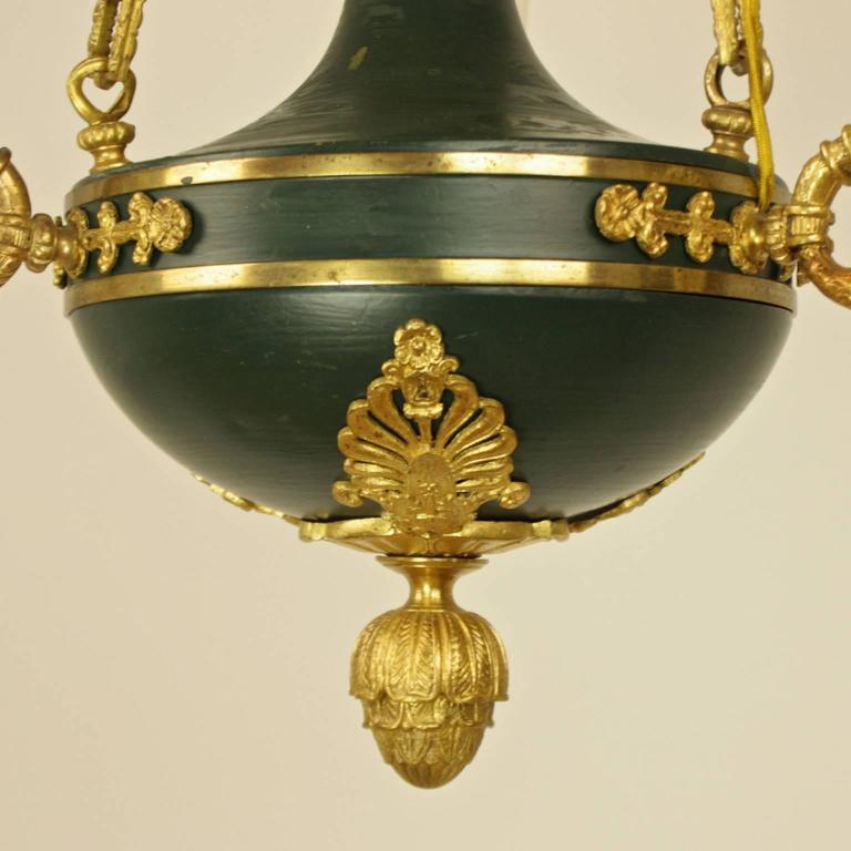 Empire Style Gilt Bronze and Green Tole Three-Light Chandelier In Good Condition For Sale In Berlin, DE