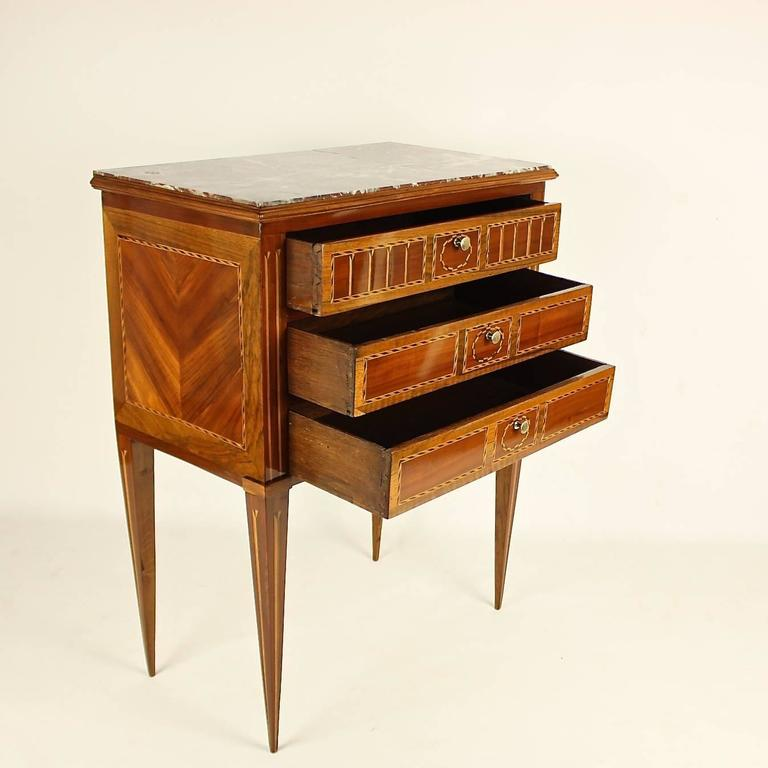 French Late 18th Century Louis XVI Side Table or 'Table Chiffonière' For Sale