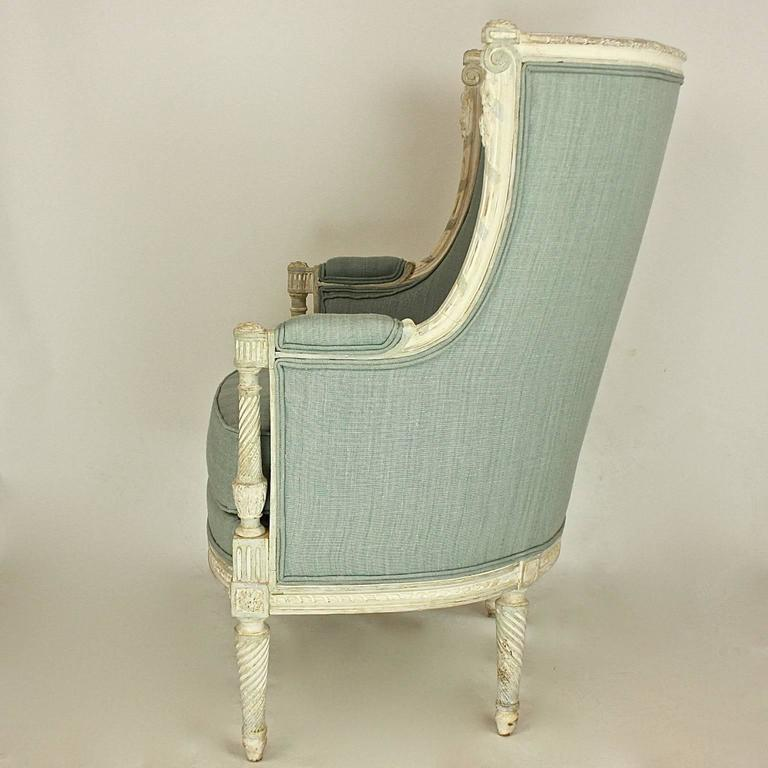Painted Louis XVI Style Paintwood Bèrgère à Gondole, in the Manner of George Jacob For Sale