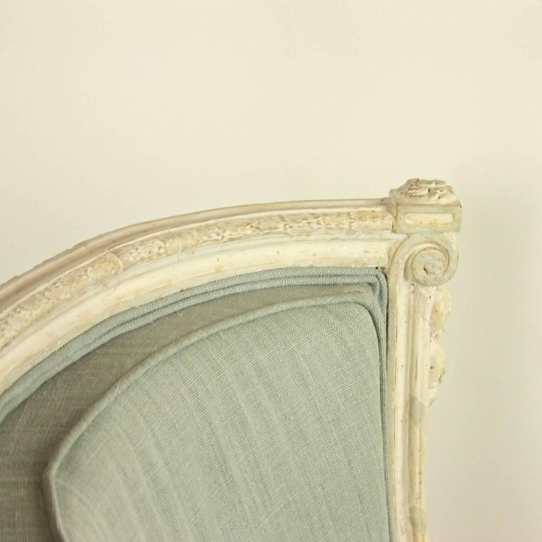 Louis XVI Style Paintwood Bèrgère à Gondole, in the Manner of George Jacob In Good Condition For Sale In Berlin, DE
