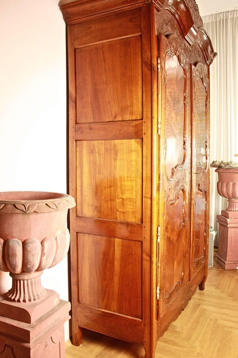 Bridal cherry wood armoire brittany rennes for