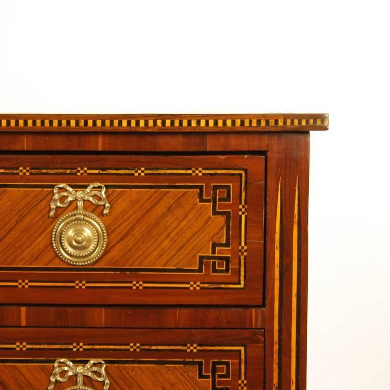 German 18th Century Neoclassical Marquetry Commode, circa 1780 In Excellent Condition For Sale In Berlin, DE